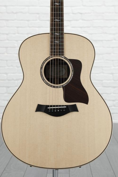 Taylor 818e - Rosewood back and sides