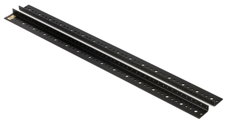 Middle Atlantic Products RRF-18 - 18 Rack Spaces image 1