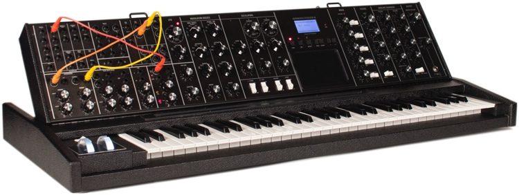 Minimoog Voyager XL - Limited Edition Tolex