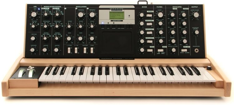 Minimoog Voyager Select - Lunar/Maple/White Switches