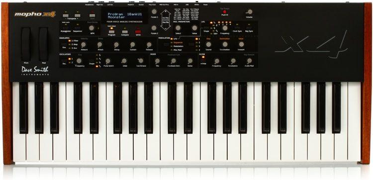 Mopho x4 4-voice Analog Synthesizer