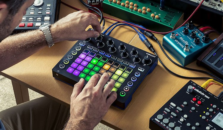 Novation Circuit Groovebox with Sample Import | Sweetwater
