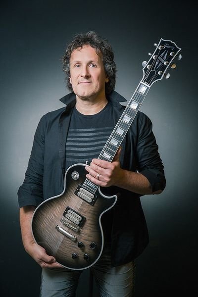 76e898 xc vivian campbell 5S7A5930 Edit 600 - Gibson Limited Edition Custom Vivian Campbell Les Paul Custom Signed Edition #34 of 50