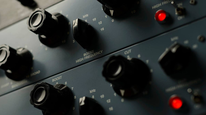 Warm Audio   Sweetwater