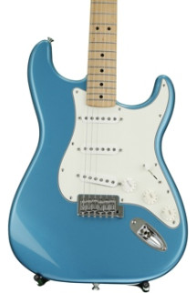 Fender Standard Stratocaster - Lake Placid Blue with Maple Fingerboard