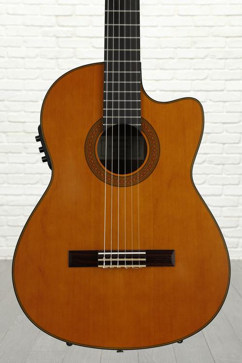 Yamaha CGX122MCC Nylon String - Solid Cedar