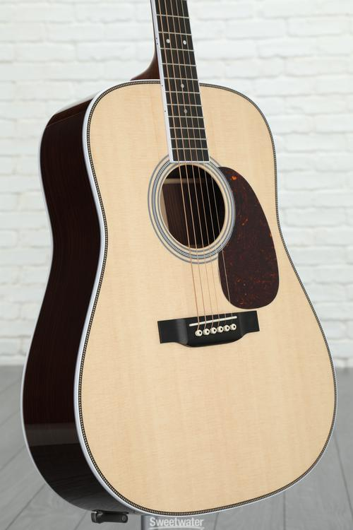 Martin HD-35 - Natural image 1