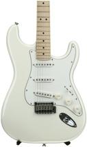 Squier Deluxe Strat - Pearl White