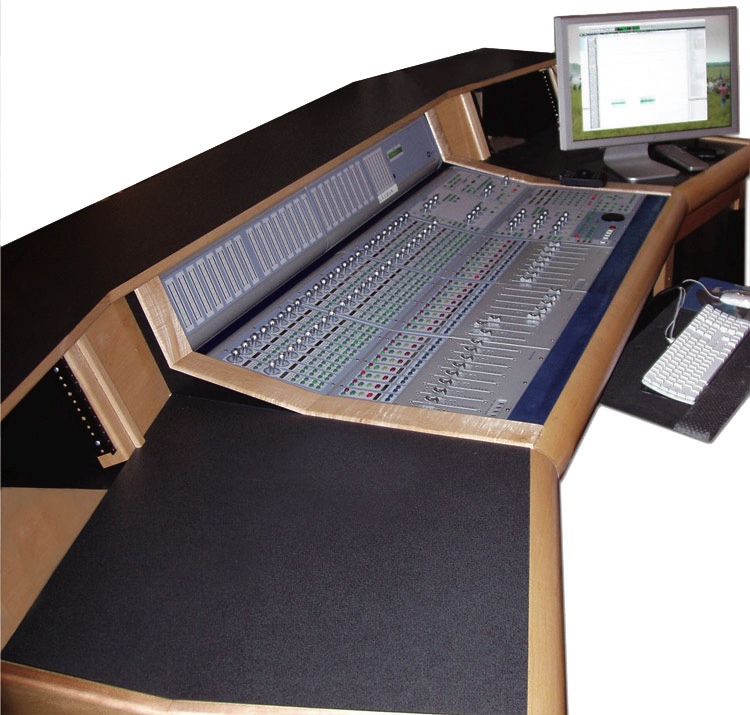 Sound Construction D-Command 24 Wing Desk with Isolation Rack image 1